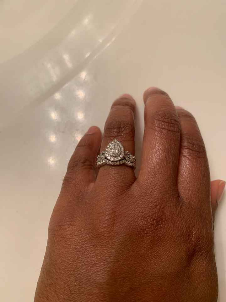 Show off that ring !!! 💍💍💍💍🥂🥂🥂 - 1