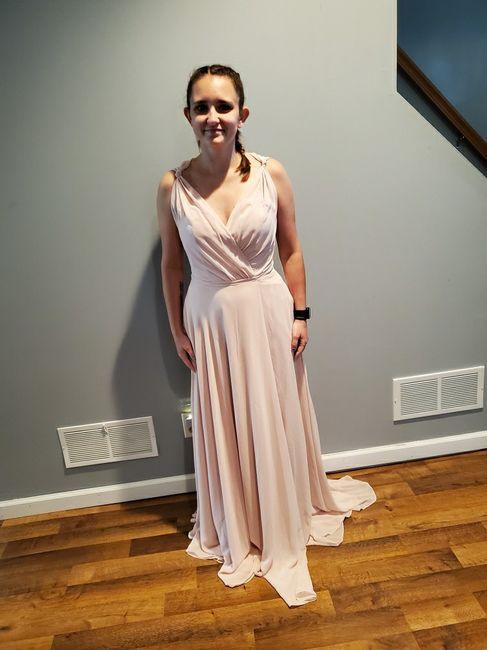 Bridesmaids in different dresses 3