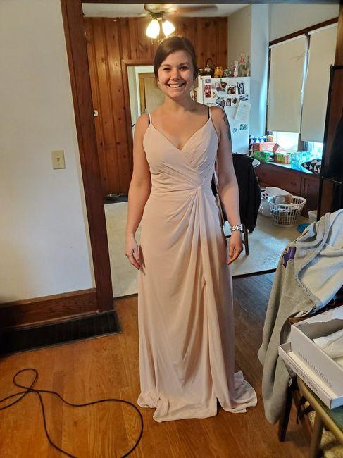 Bridesmaids in different dresses 5