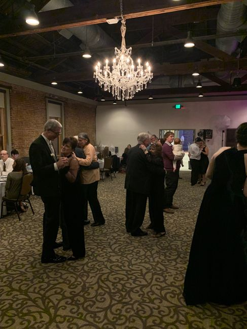 Is 100 guests enough to have an awesome reception? 3