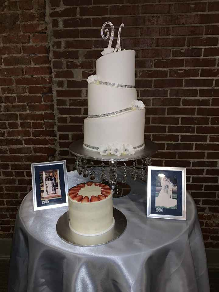 Wedding Cakes Without Flowers 11