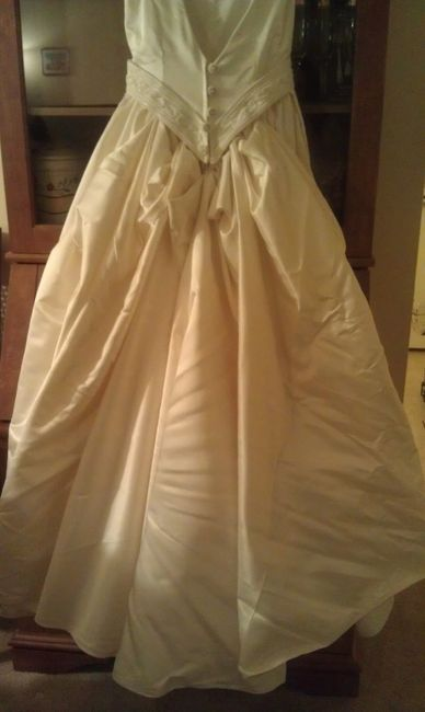 Free amalia carrara wedding gown paying it forward for Paying for a wedding dress