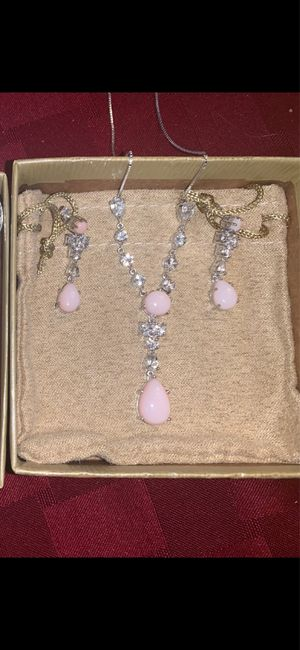 Share your bridal necklace & earrings 13