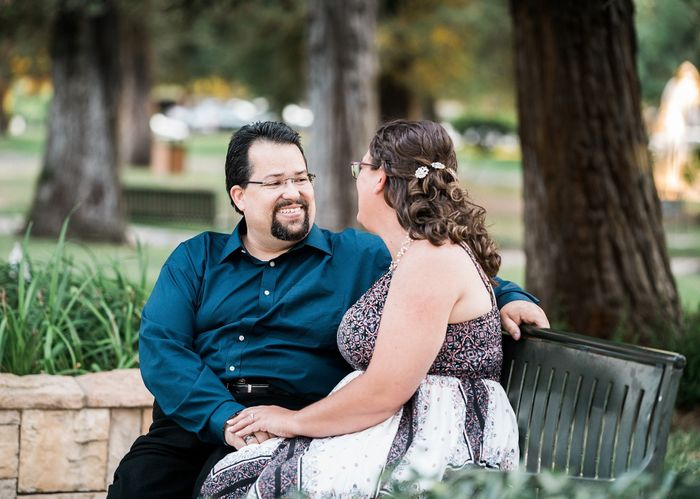 Show off your favorite engagement pictures 32