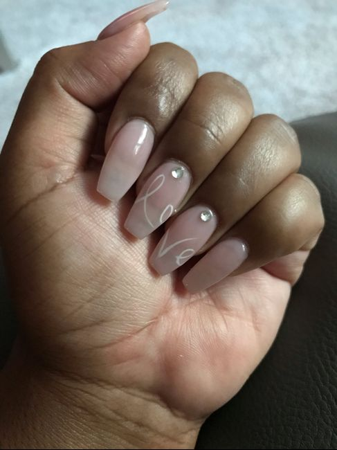 What shape nails? 10