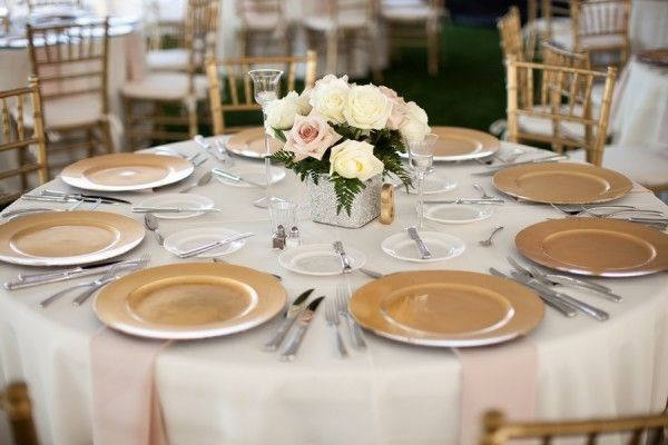 Charger Plates At Buffet Reception Weddings Etiquette And Advice