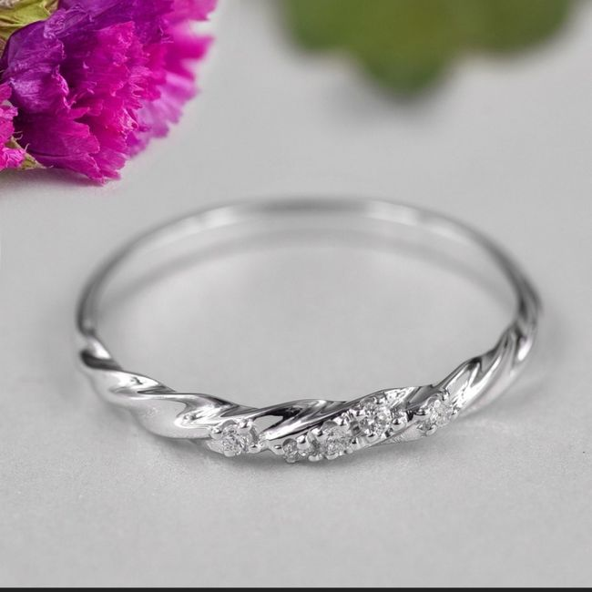 Brides and brides to be! i want to see your wedding bands or ideas for wedding bands! 2