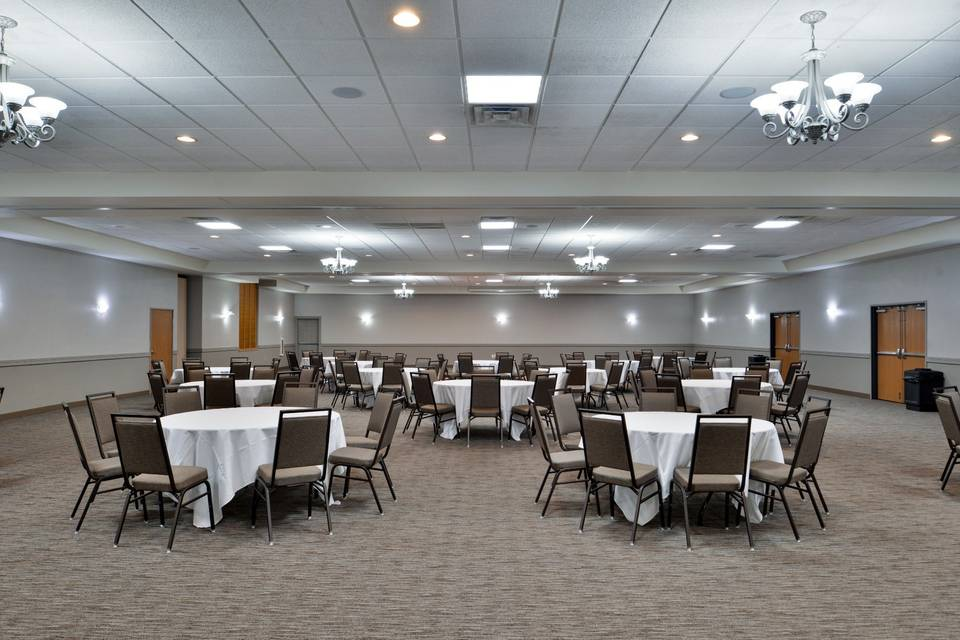 Comfort Inn & Suites featuring North Star Conference Center