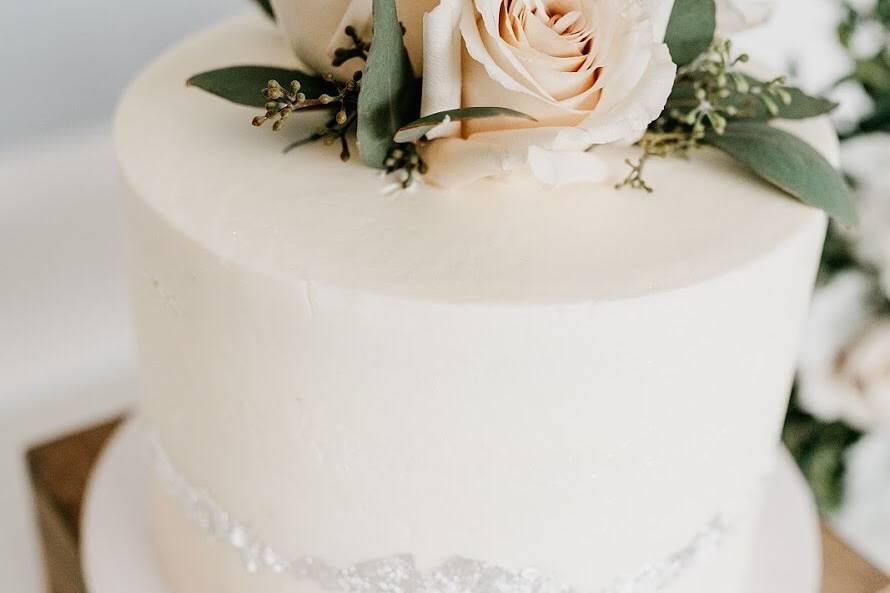 Rose Topper Wedding Cake