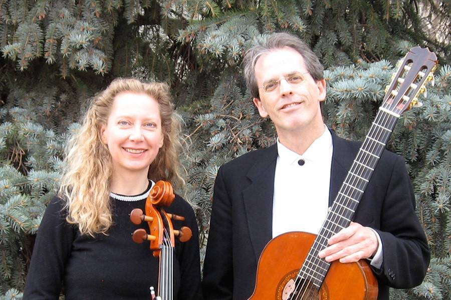 Cellist and guitarist