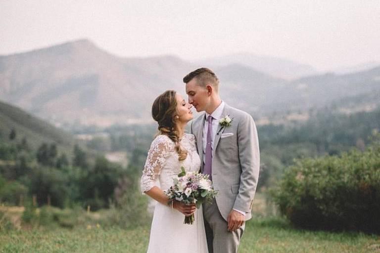 Stone Mountain Lodge Wedding