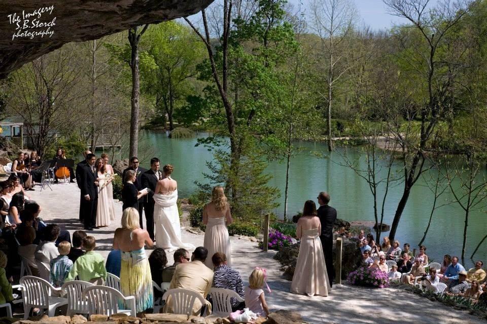 Blue Spring Heritage Center & Wedding Gardens