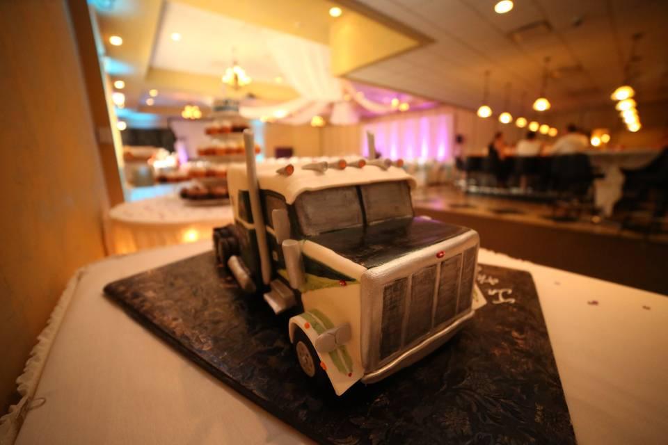 Truck | Courtesy De la Teja Studio
