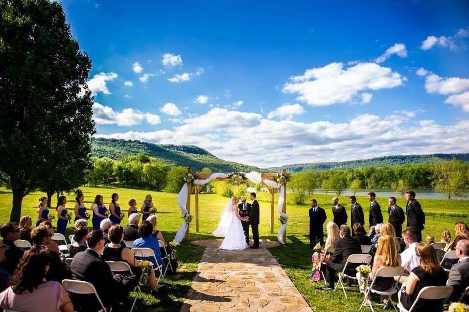 Anchor Me Away Wedding Planning & Coordination