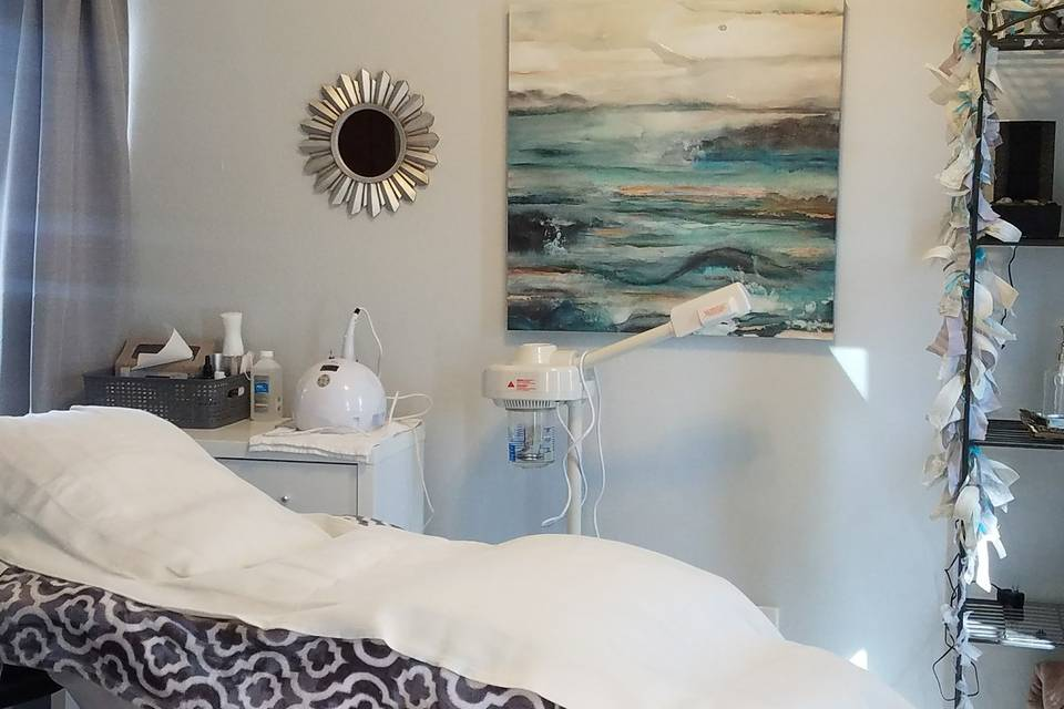 Experience true relaxation and beauty restoration during a OneSalon.me facial. Using the highest close to natural ingredients our esthetician will wrap in luxury.  Also full menu of waxing services available
