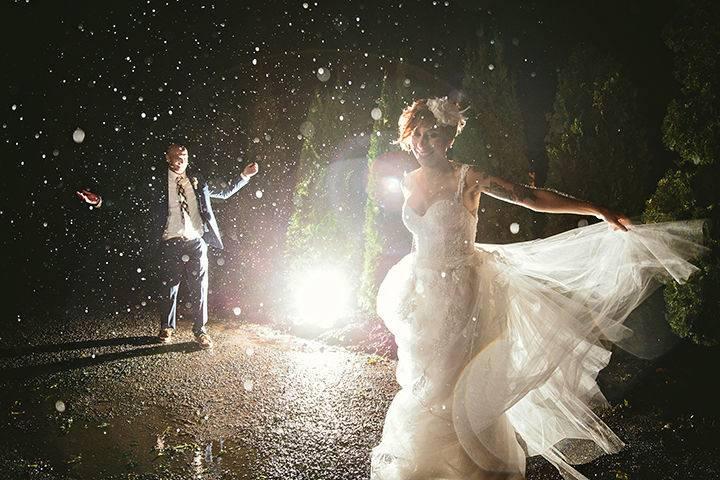 Dancing in the rain (GAUPERphoto)