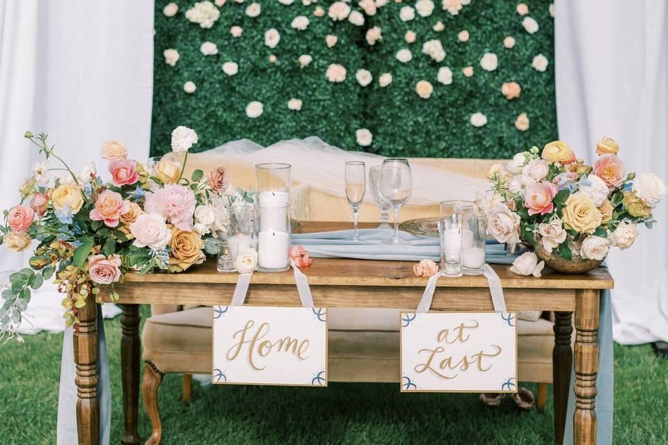 Peony Settee & Magnolia Table