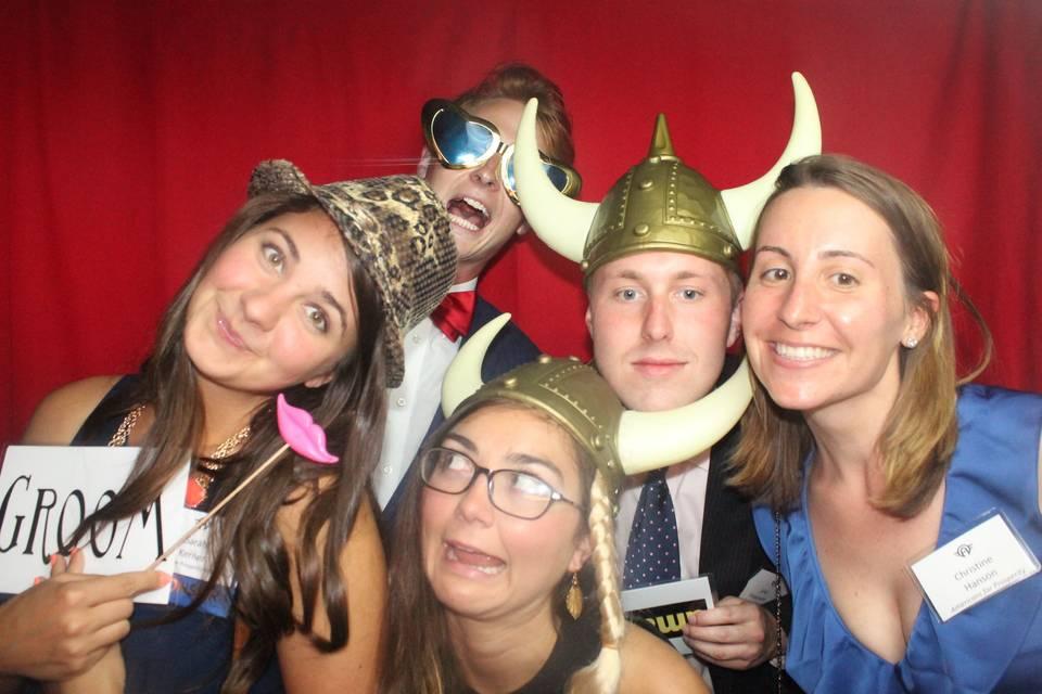 SillyShotz Photobooth Company