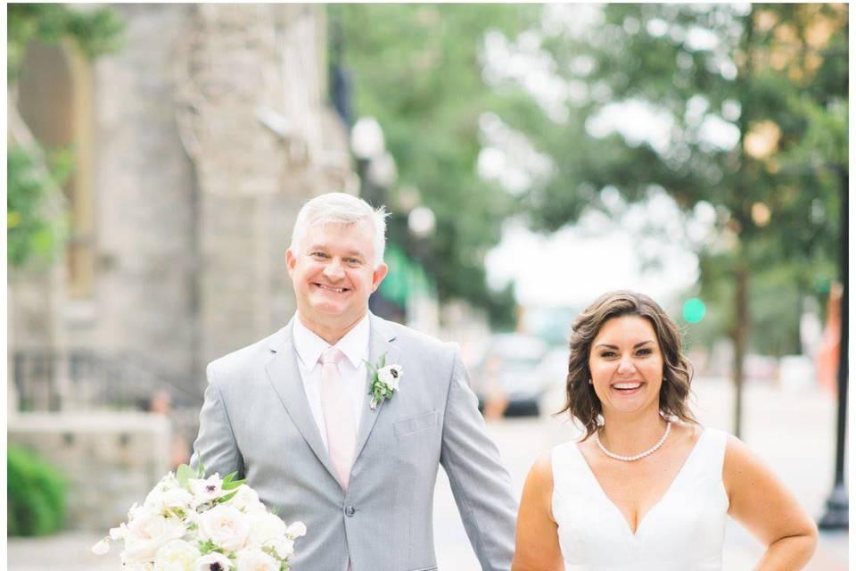 Wedding walk | Photo: sarahdipity photos