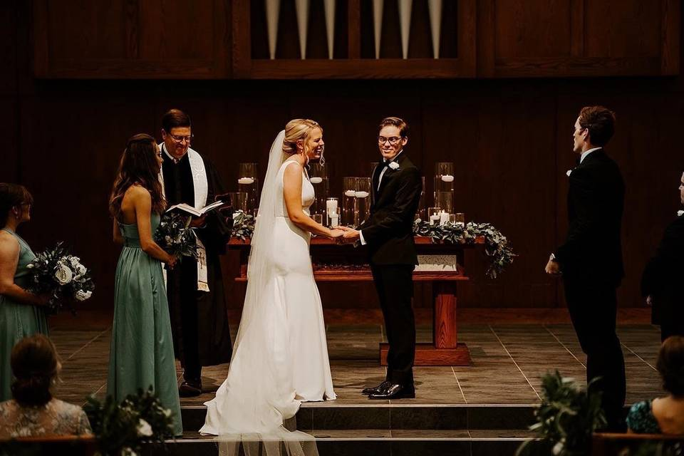 Happy couple at the altar