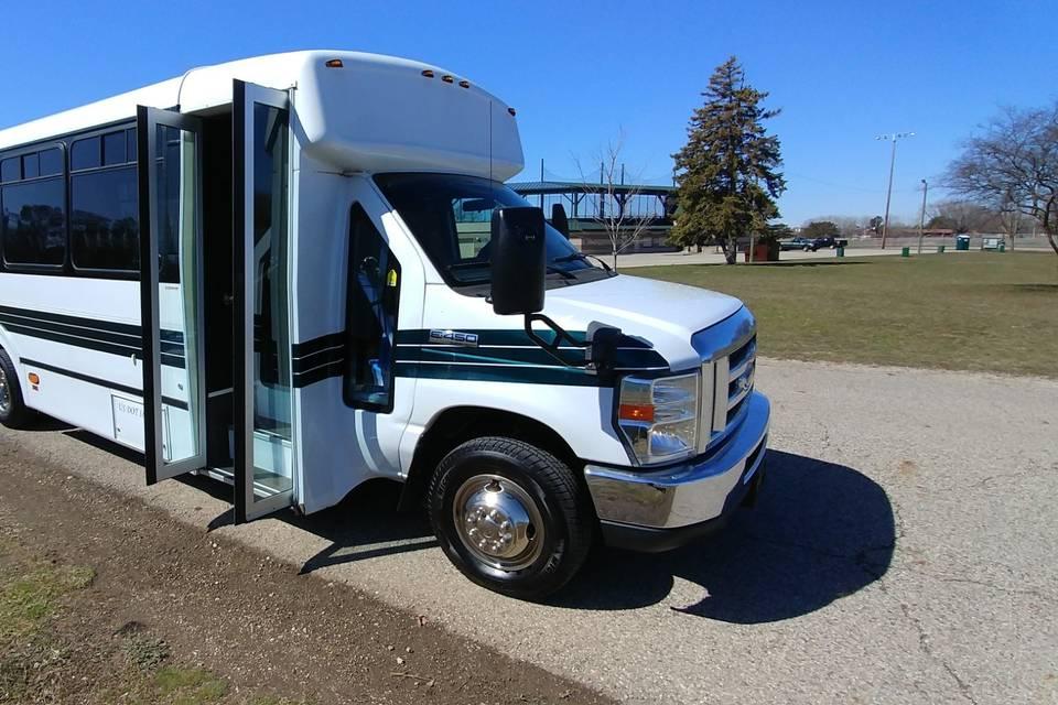 18-passenger limousine bus