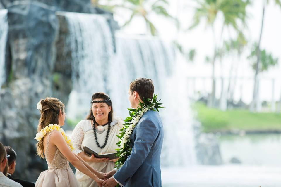 Hawaiian Style Beach Weddings with ALOHA
