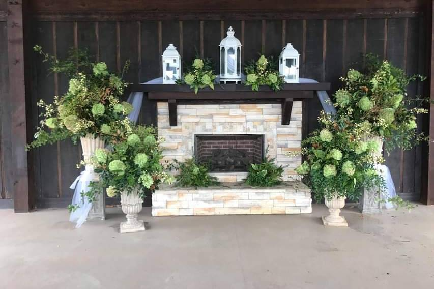 The fireplace and decor