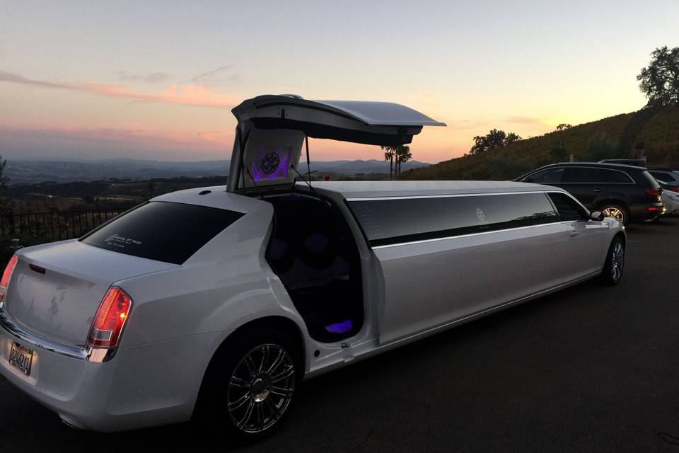 Pearl of Paso Limousine
