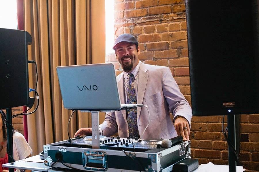 DeLane Hayes DJ & Production