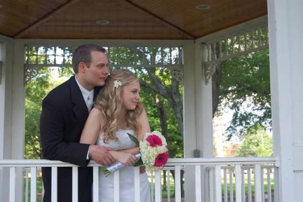 Newlyweds in the gazebo