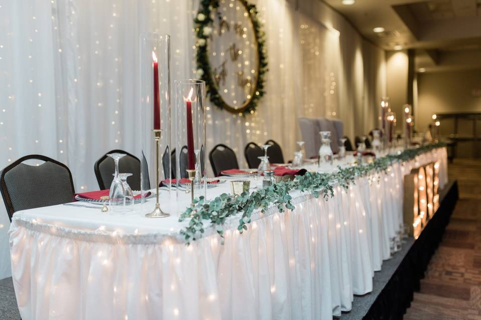 Traditional Headtable