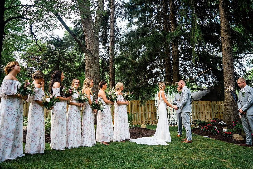 Lindsey poyar photography - Exchanging vows