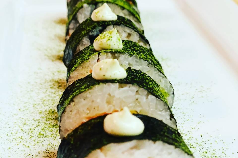 Maki & Salmon sushi