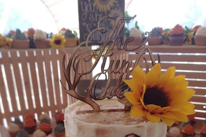 Birch sunflower wedding cake