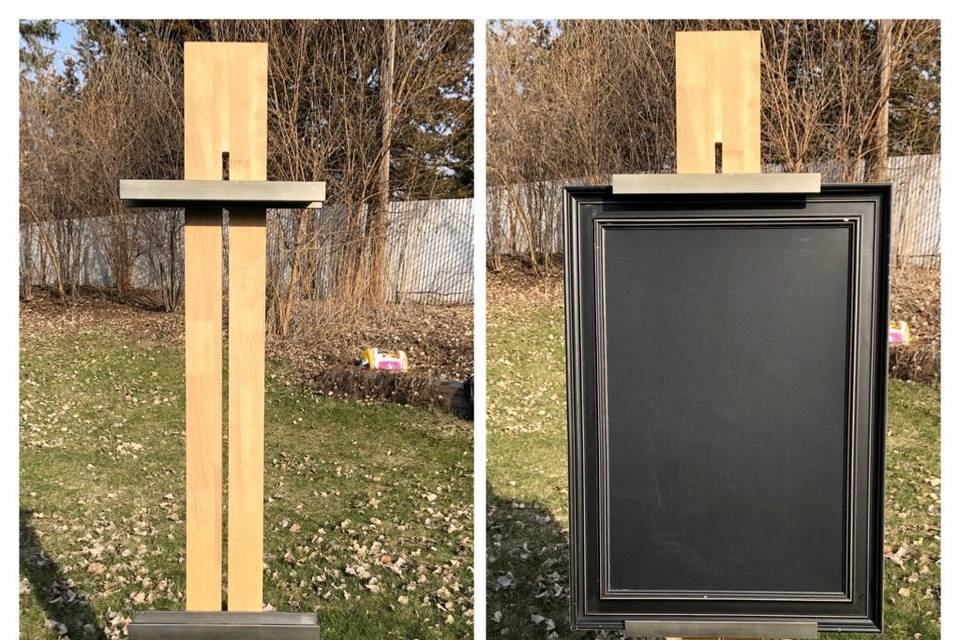 Easel with or without chalkboa