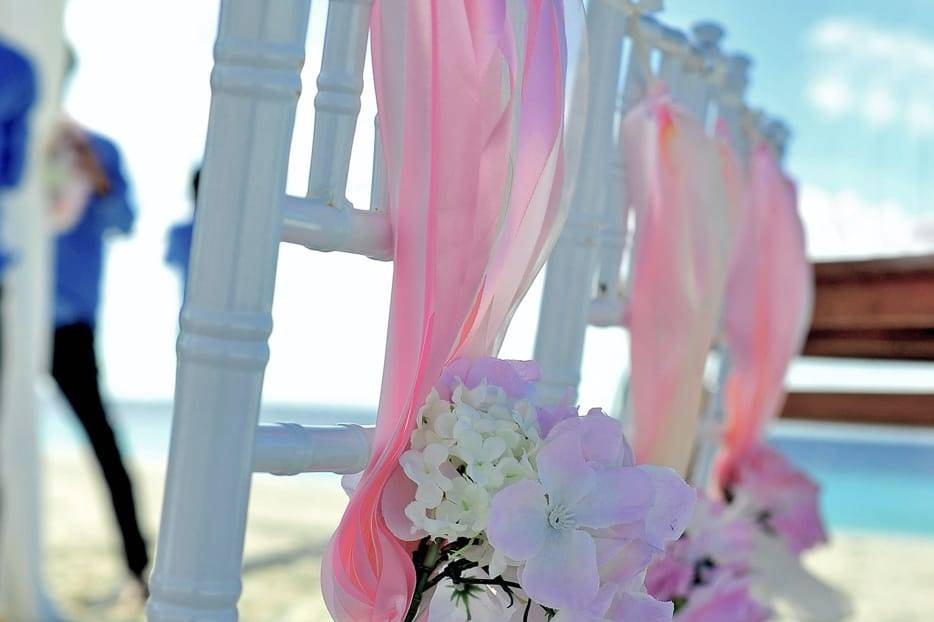SUMMER BEACH WEDDING