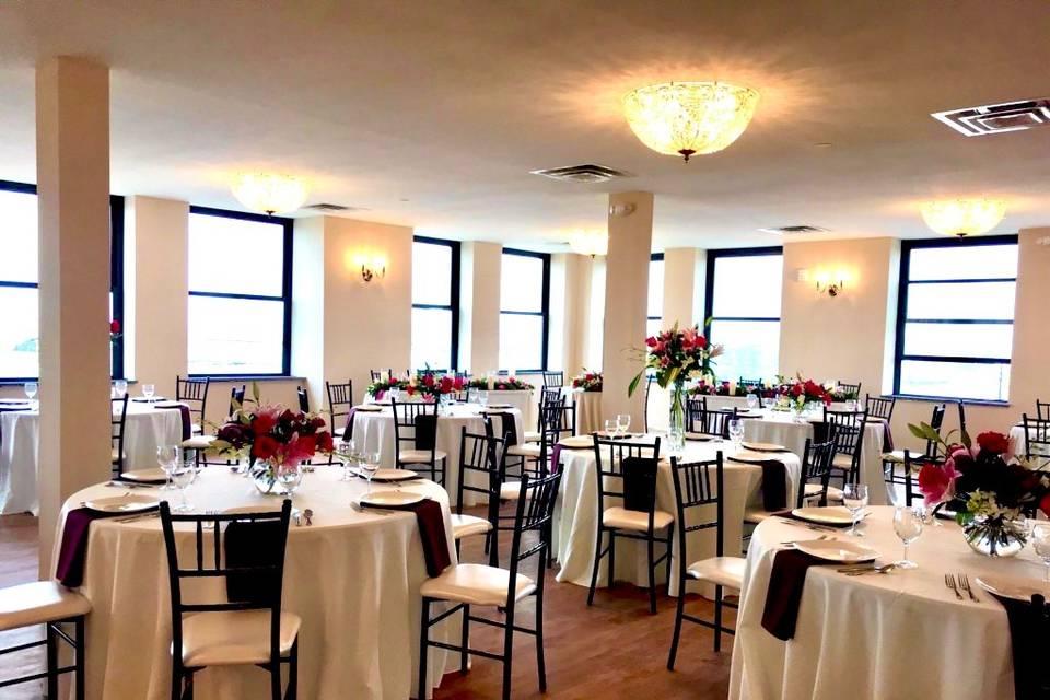 Venue capacity of 250 guests