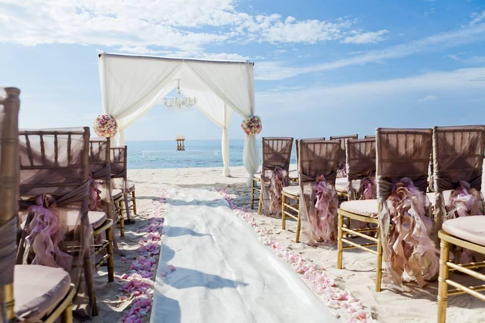 Honeymoons & Vacations by Vonda