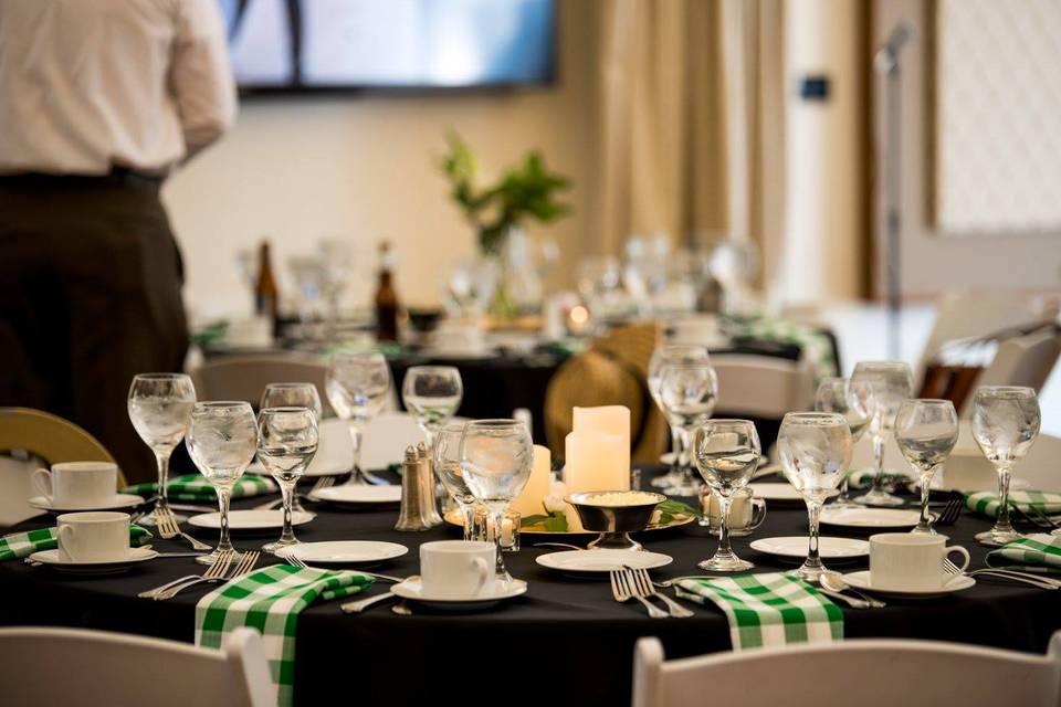 Table settings - Roxana Snedeker Photography