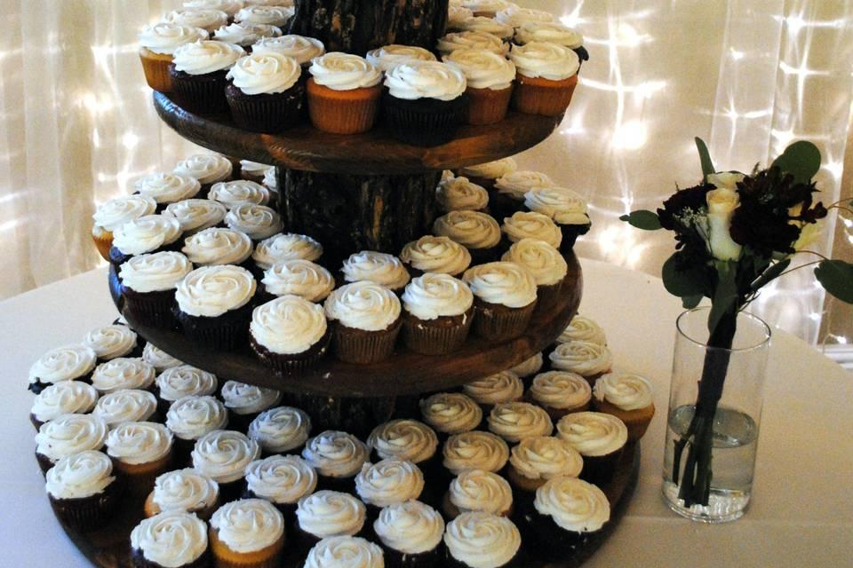Wood cupcake