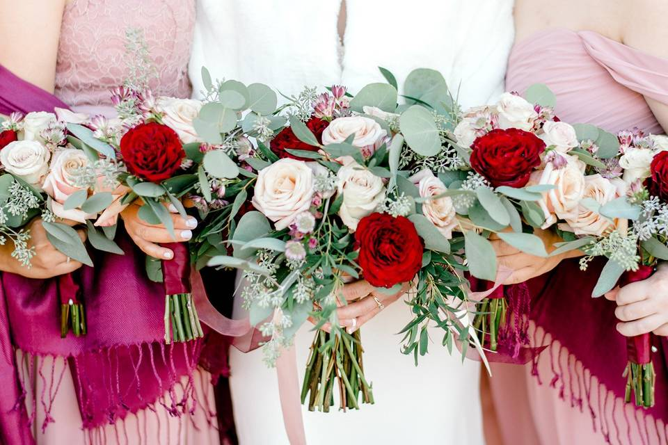 Color-coordinated bouquets