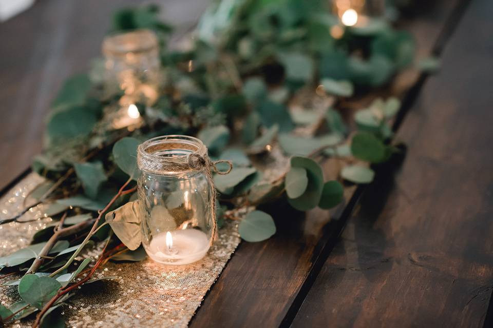 Elegant table setting styles