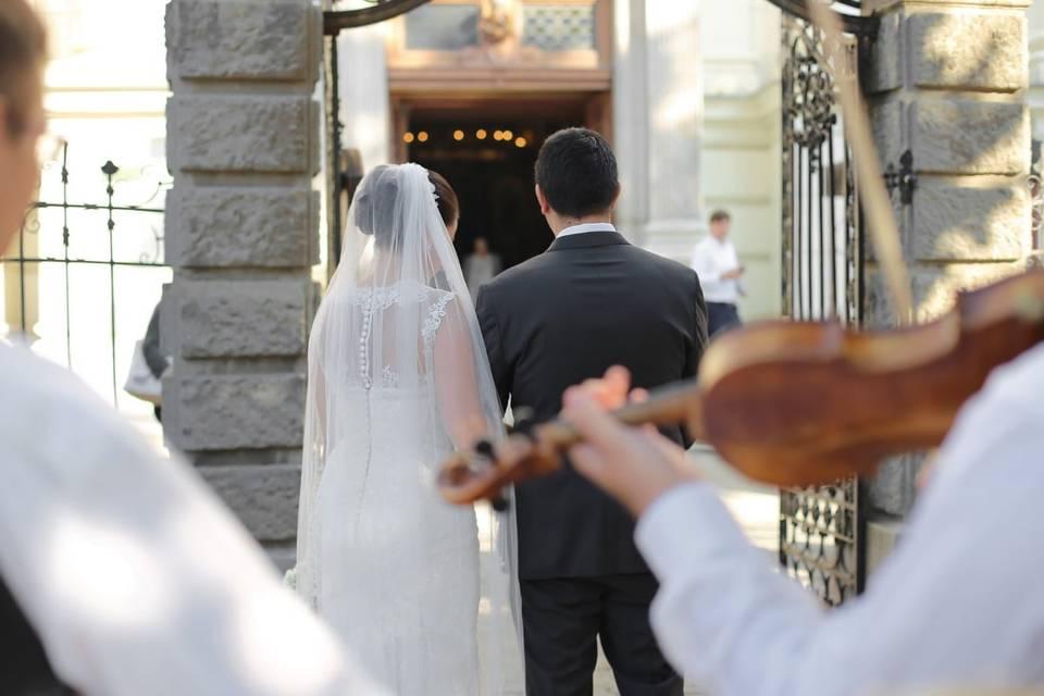 Strings as bride enters