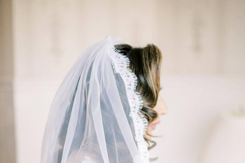 Glowy veil moment