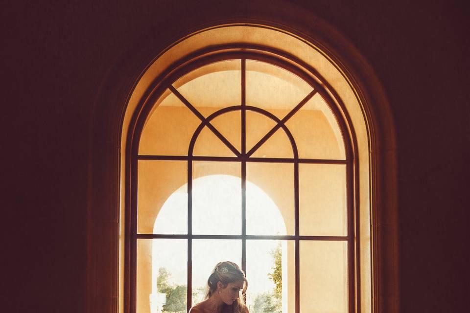 Light & Co window pose