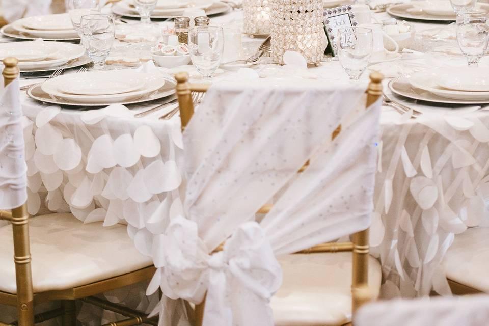White-theme reception set-up