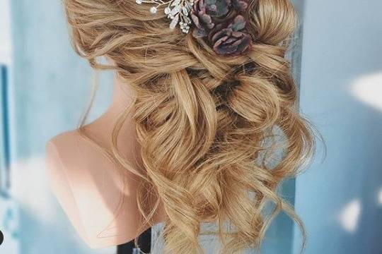 Textured and soft hairstyle