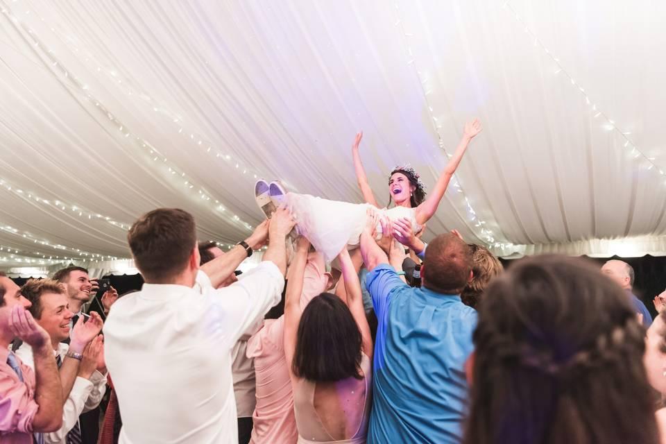 Bride surf