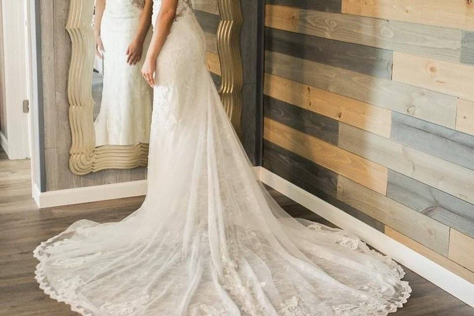 Mirror in Bridal Suite