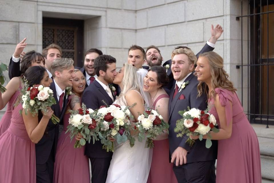 We love wedding party shots